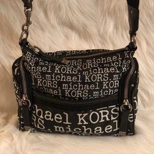 Handbags - 💯% Authentic Michael KORS Crossbody Bag. Rare!